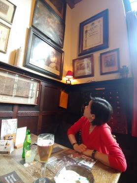 Sarah in the oldest pub in Bruges